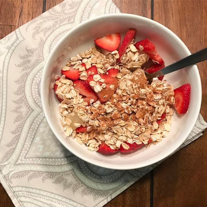 strawberry-pineapple-yogurt-bowl